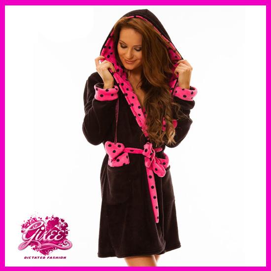 Köntös Fekete – Pink Pöttyös Hálóköntös Fürdőköpeny