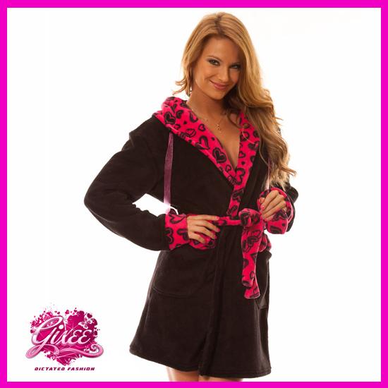 Köntös Fekete – Pink Szivecskés Hálóköntös Fürdőköpeny