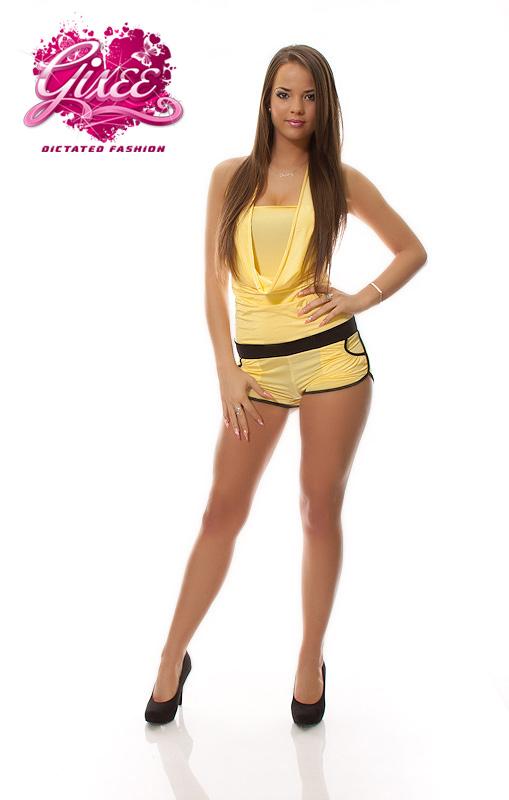 3425102111 GIXEE sárga overall rövidnadrágos overál kámzsás nyakú   divatplaza