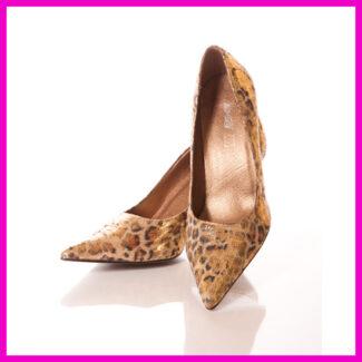 Magassarkú tűsarkú cipő 39